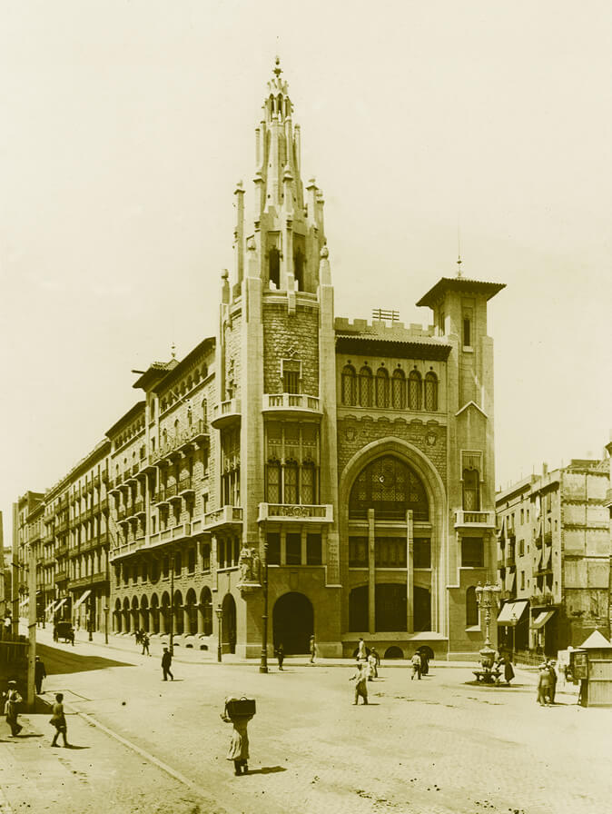 First headquarters of the Caja de Pensiones, on Vía Laietana in Barcelona.