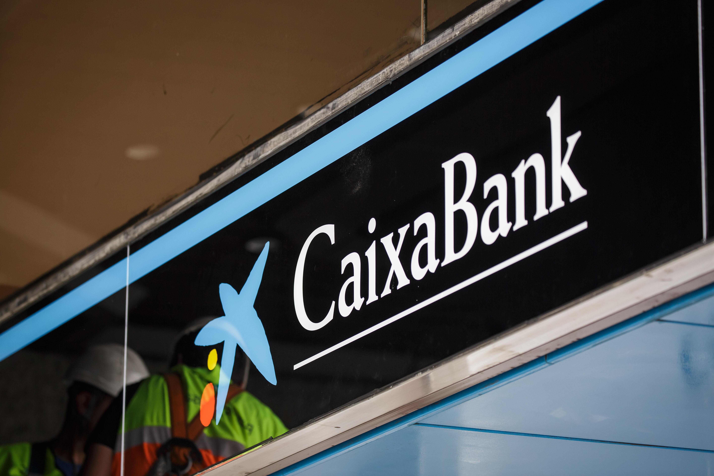Caixabank culmina la fusi n con barclays bank sau e inicia for Oficinas la caixa lugo