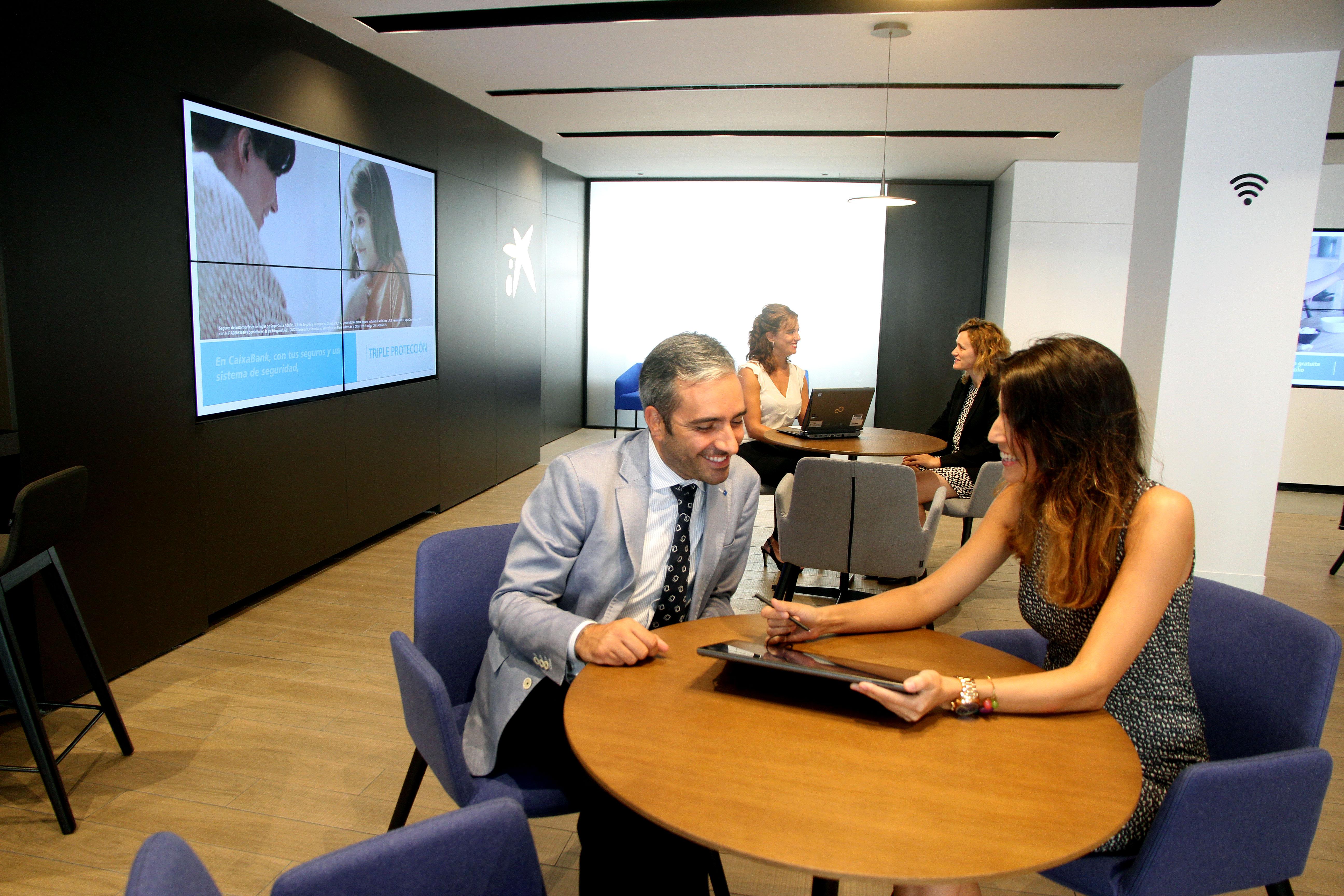 Caixabank elige marbella para abrir en la provincia de for La caixa oficinas zaragoza