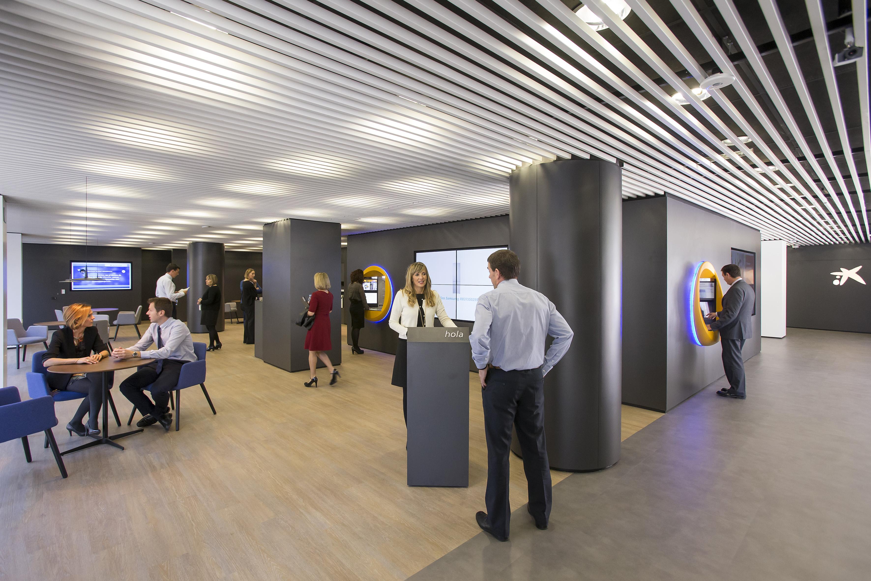 Caixabank abre en iturrama su tercera oficina del nuevo for Oficina 2100 caixabank