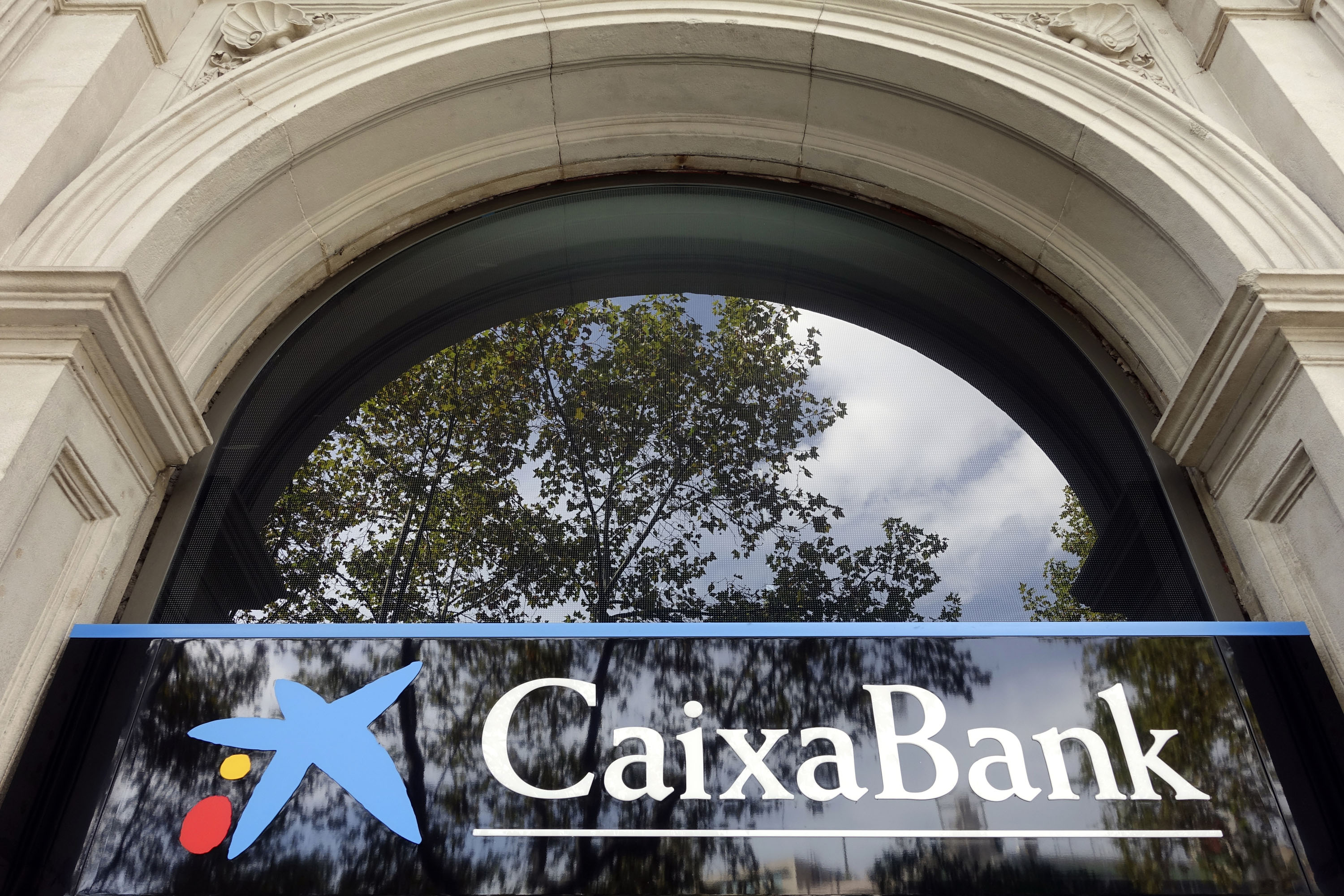 Caixabank y securitas direct lanzan protecci n senior una soluci n tecnol gica para la - Oficinas securitas direct ...